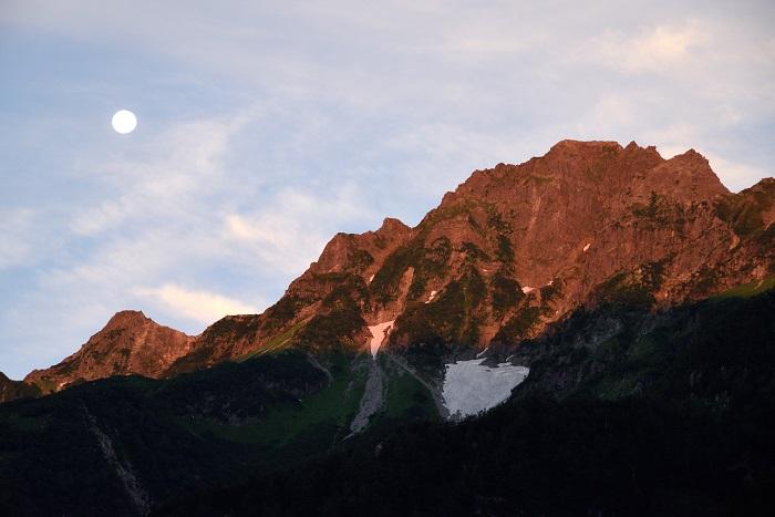 前穂高岳のモルゲンロート