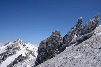 燕岳彫刻群