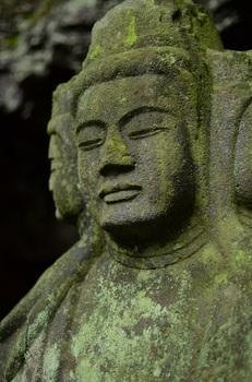 仏岩の石仏達