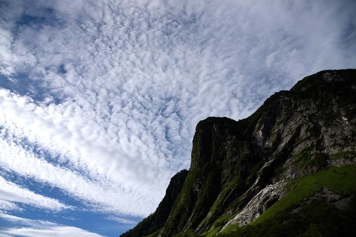 屏風岩と鱗雲